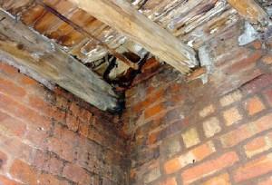 влажность в подвале с деревянными балками